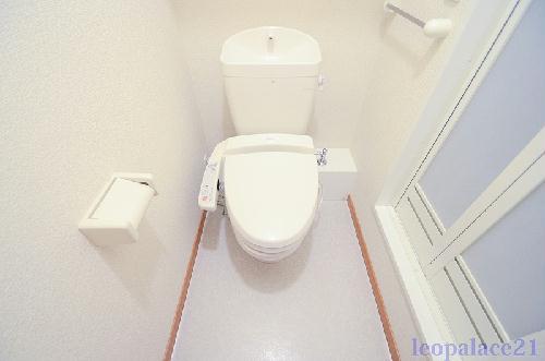 レオパレス保土ヶ谷坂本町 104号室のトイレ