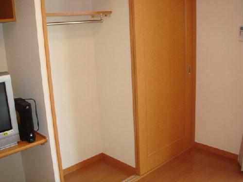 レオパレスピソⅡ 102号室の収納