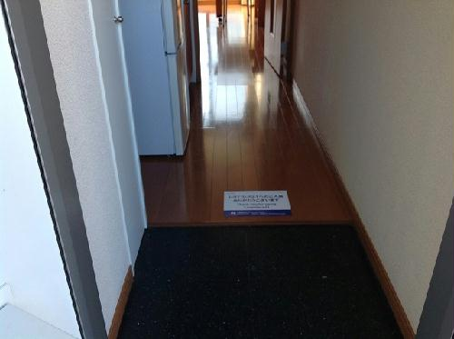 レオパレスエスト大利根 204号室のベッドルーム