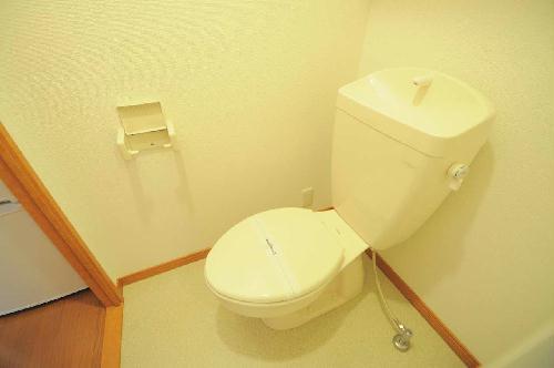 レオパレスヴィーブル呉服町 101号室のトイレ