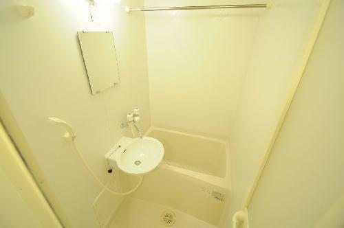 レオパレスヴィーブル呉服町 101号室の風呂