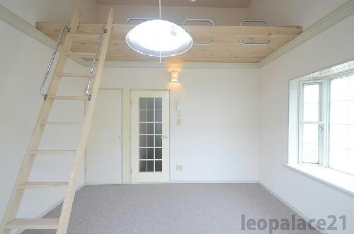 レオパレスSPATZ 102号室のキッチン