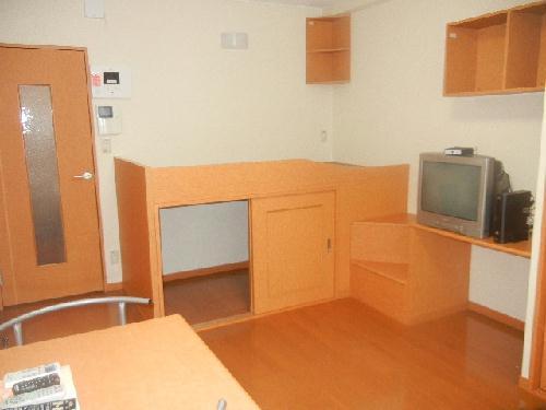レオパレスルミエールⅡ 206号室の居室