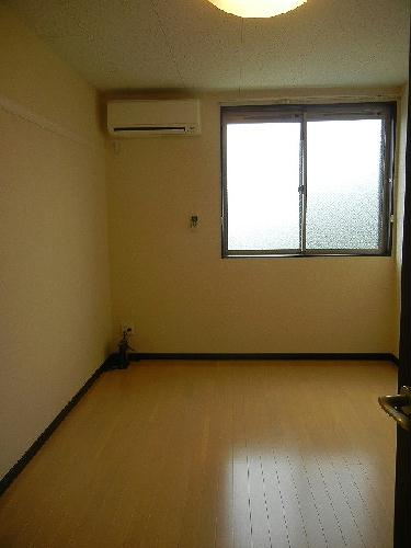 レオネクストリアンⅡ 101号室の居室