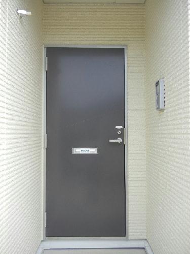 レオネクストリアンⅡ 101号室の玄関
