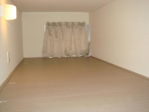 レオパレスねいし2 103号室のベッドルーム