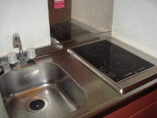 レオパレスアンソレイユ 108号室のキッチン