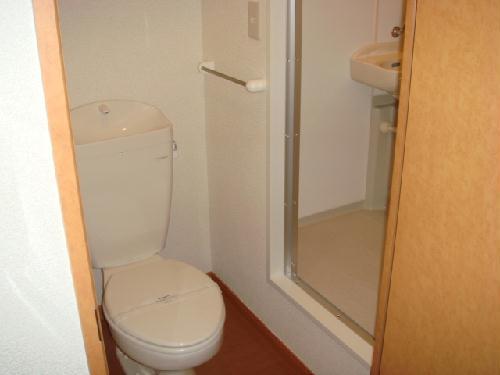 レオパレスアンソレイユ 108号室のトイレ
