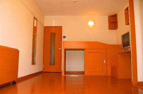 レオパレスシュガーグレイス 102号室のリビング