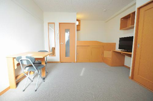 レオパレスwill 105号室のベッドルーム