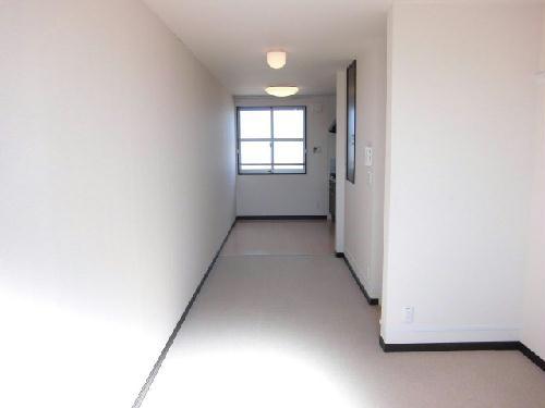 レオネクストスイートピー 102号室のリビング