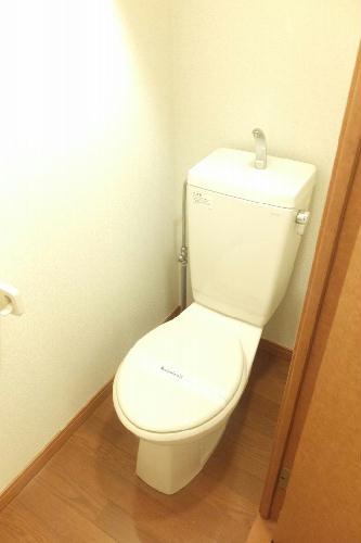 レオパレスグリーンプレイス 103号室のトイレ