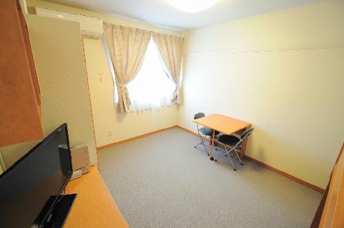 レオパレスガーデン 204号室の居室