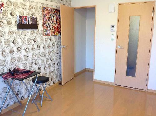 レオパレスリナフェリーチェ 103号室のベッドルーム