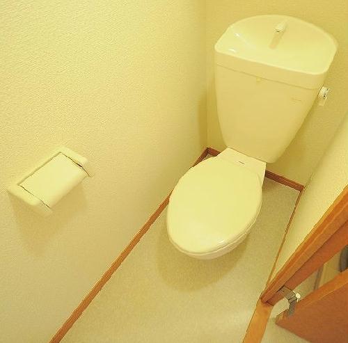 レオパレスMIHALU 204号室のトイレ