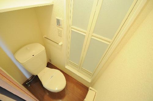レオパレスペン 102号室のトイレ
