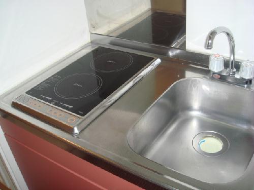レオパレスMINA 102号室のキッチン