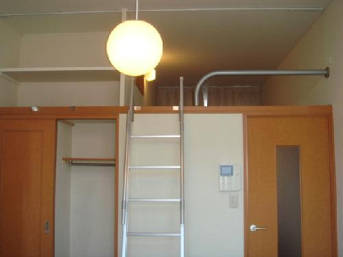 レオパレスMINA 208号室の収納