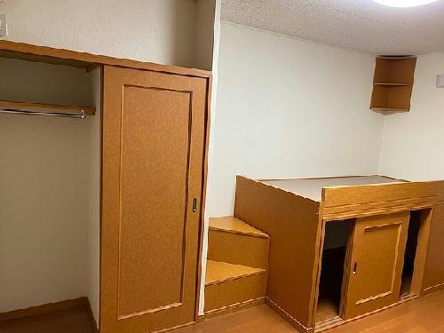 レオパレスクンプウ 102号室の収納