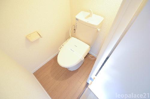 レオパレス栗林 303号室のトイレ
