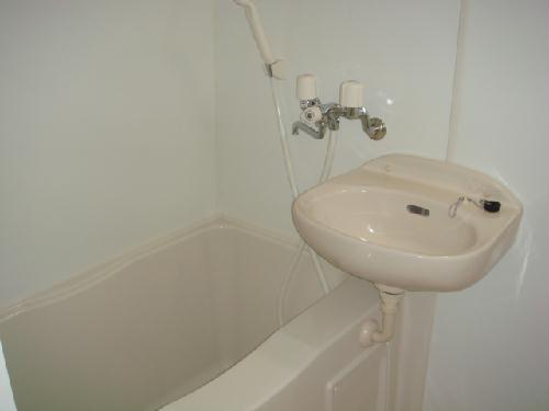 レオパレス筑紫 203号室の風呂