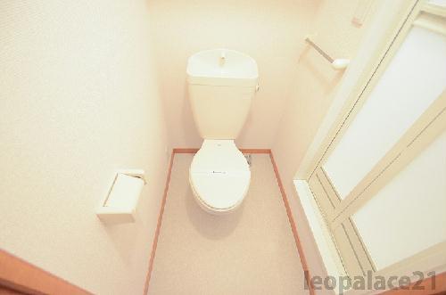 レオパレスMajesty22 203号室のトイレ