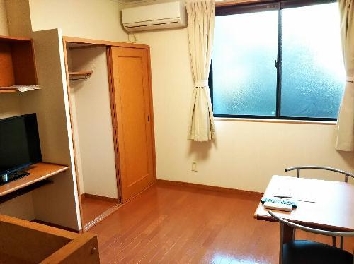 レオパレスアンジュB 204号室のリビング