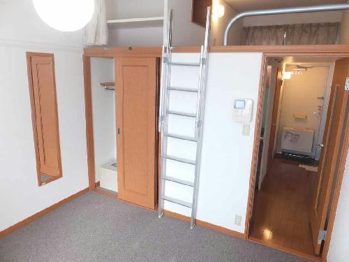 レオパレスフローラ 203号室の収納