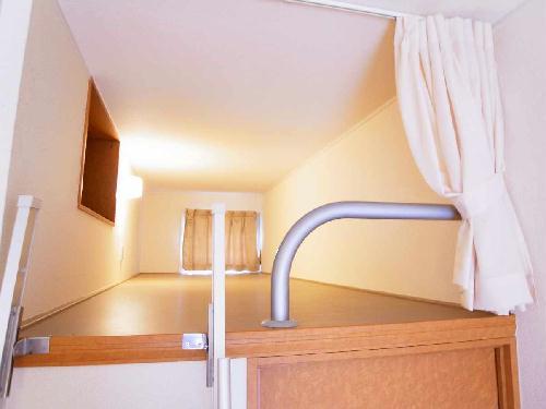 レオパレスファウィステリアⅡ 104号室のベッドルーム
