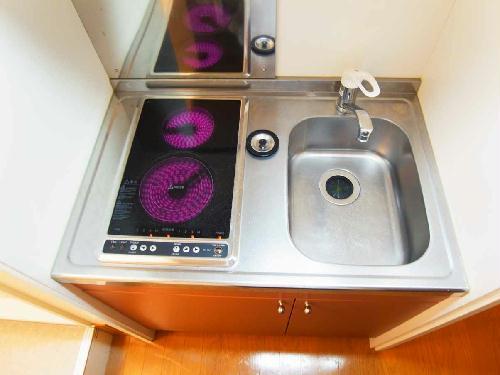 レオパレス坂之台ビレッジ 202号室のキッチン