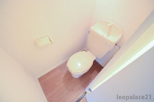 レオパレスSeto Lands K&K 204号室のトイレ
