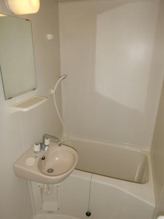 レオパレスM-47 302号室の風呂