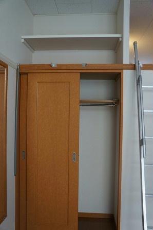 レオパレスノクターン 204号室の収納
