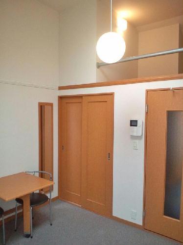 レオパレスAMANO 101号室のリビング