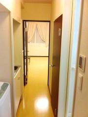 レオパレスステラ 202号室の玄関