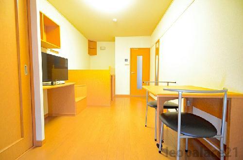 レオパレスエテルナ 201号室のリビング