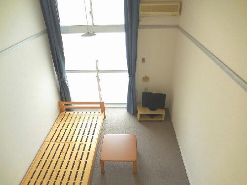 レオパレスCasaAvenue Ⅲ 301号室の居室