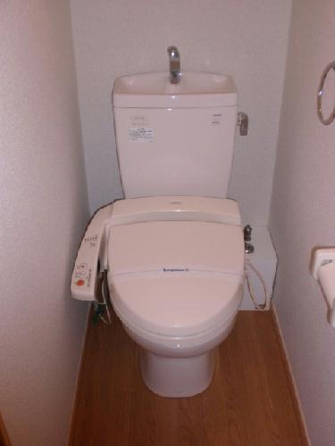 レオパレスプリムラ 102号室のトイレ