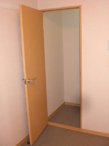 レオパレスノール 302号室の収納