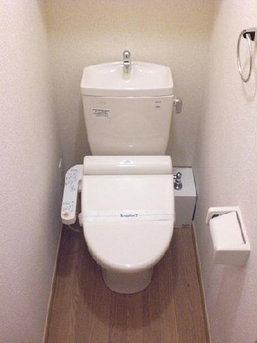 レオパレスノール 302号室のトイレ