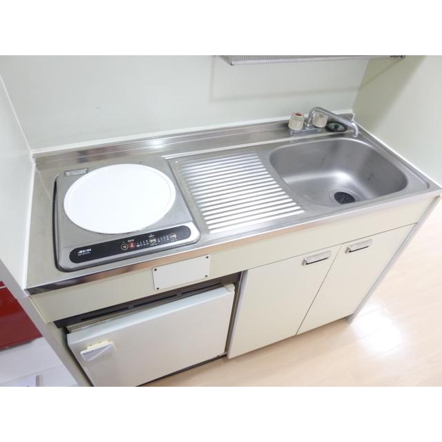 エポリアム本町 303号室のキッチン