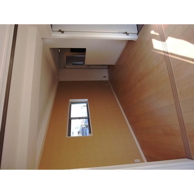 小石川マンション 504号室のリビング