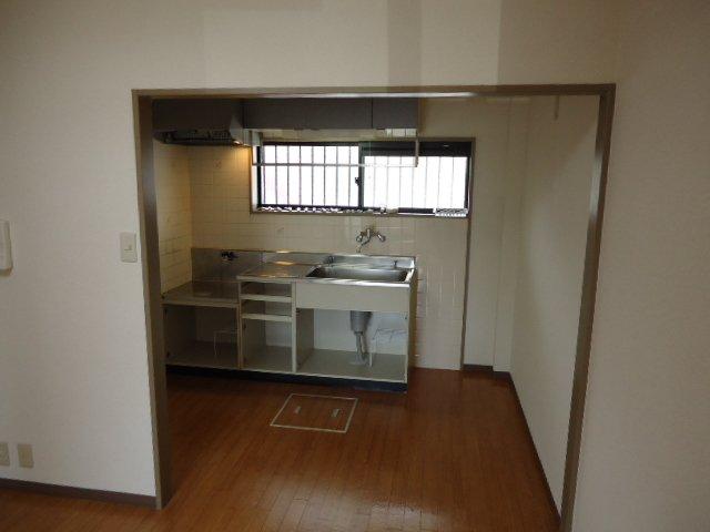 レジデンス六斗 102号室のキッチン