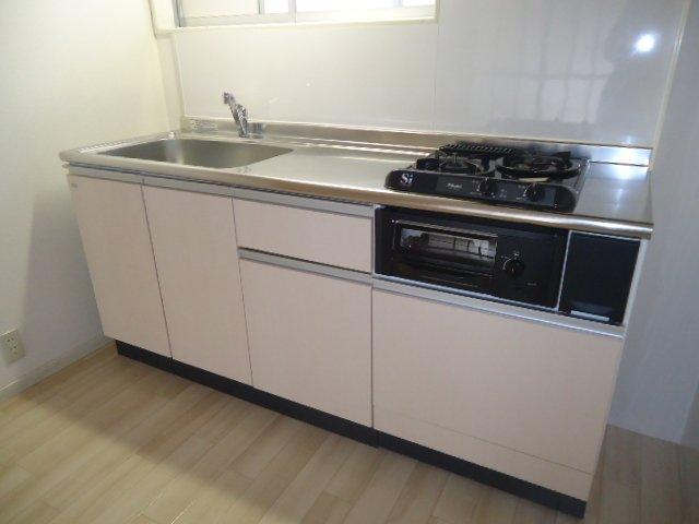 メゾン城土 A101号室のキッチン