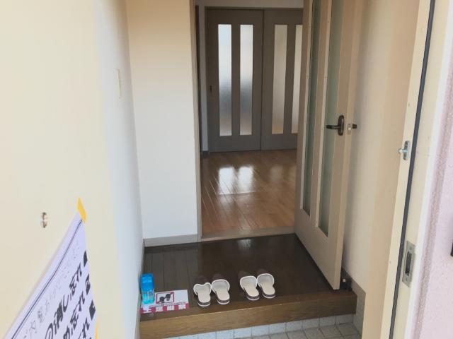 ハイツ河合 00103号室の玄関