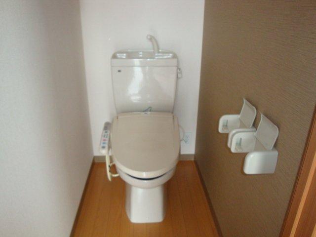 グラスフルールA 102号室のトイレ