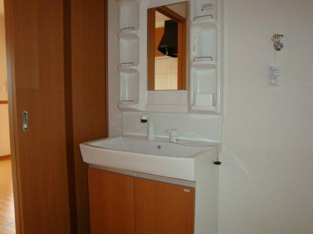 グラスフルールA 102号室の洗面所