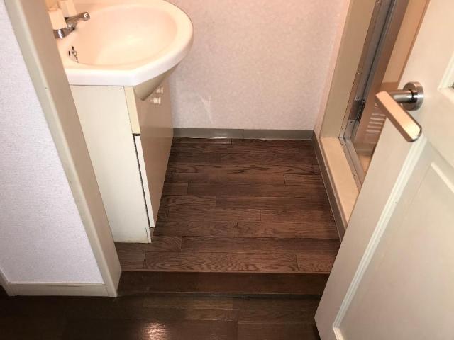 レジデンス大島 00105号室の洗面所