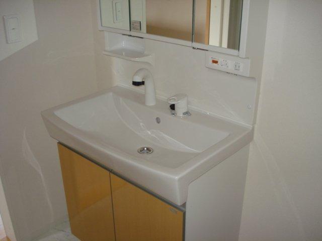 ジェミニ 203号室の洗面所