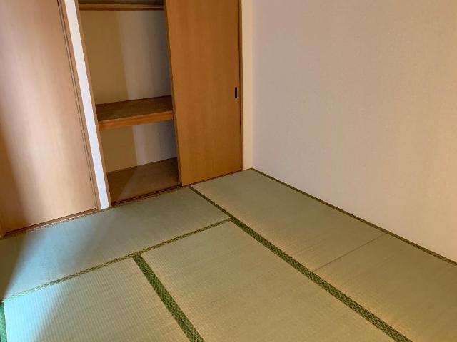 レジデンス花水木 205号室のベッドルーム